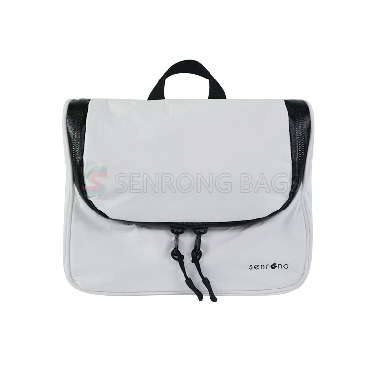 Tyvek HangingToiletry Bag SRN18-012